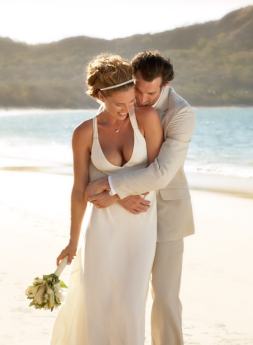 Destination-Wedding-Couple-Beach-Photography