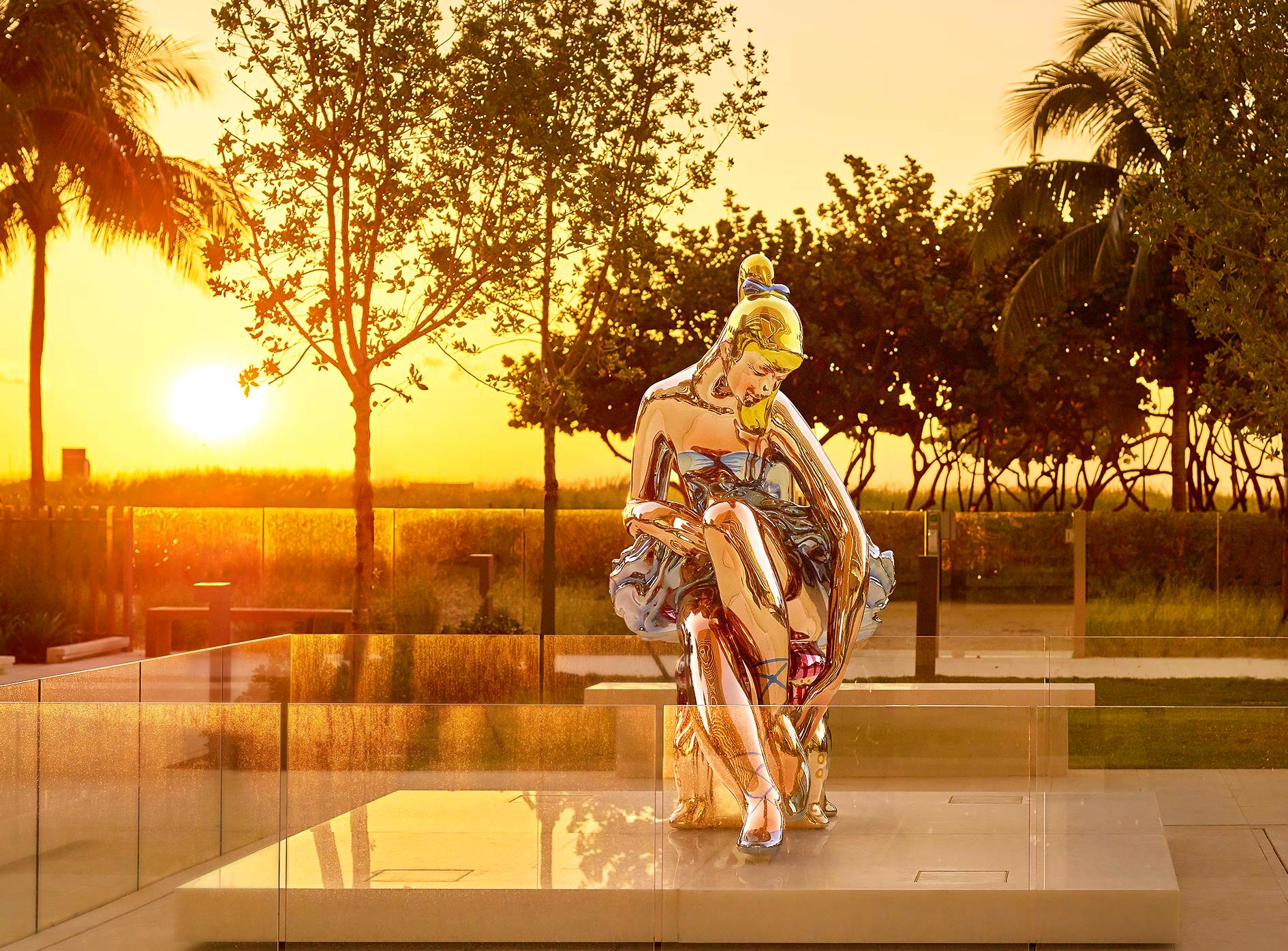 Jeff-Koons-Ballerina-Sculpture-Bal-Harbour-Florida-Sunrise-Resort