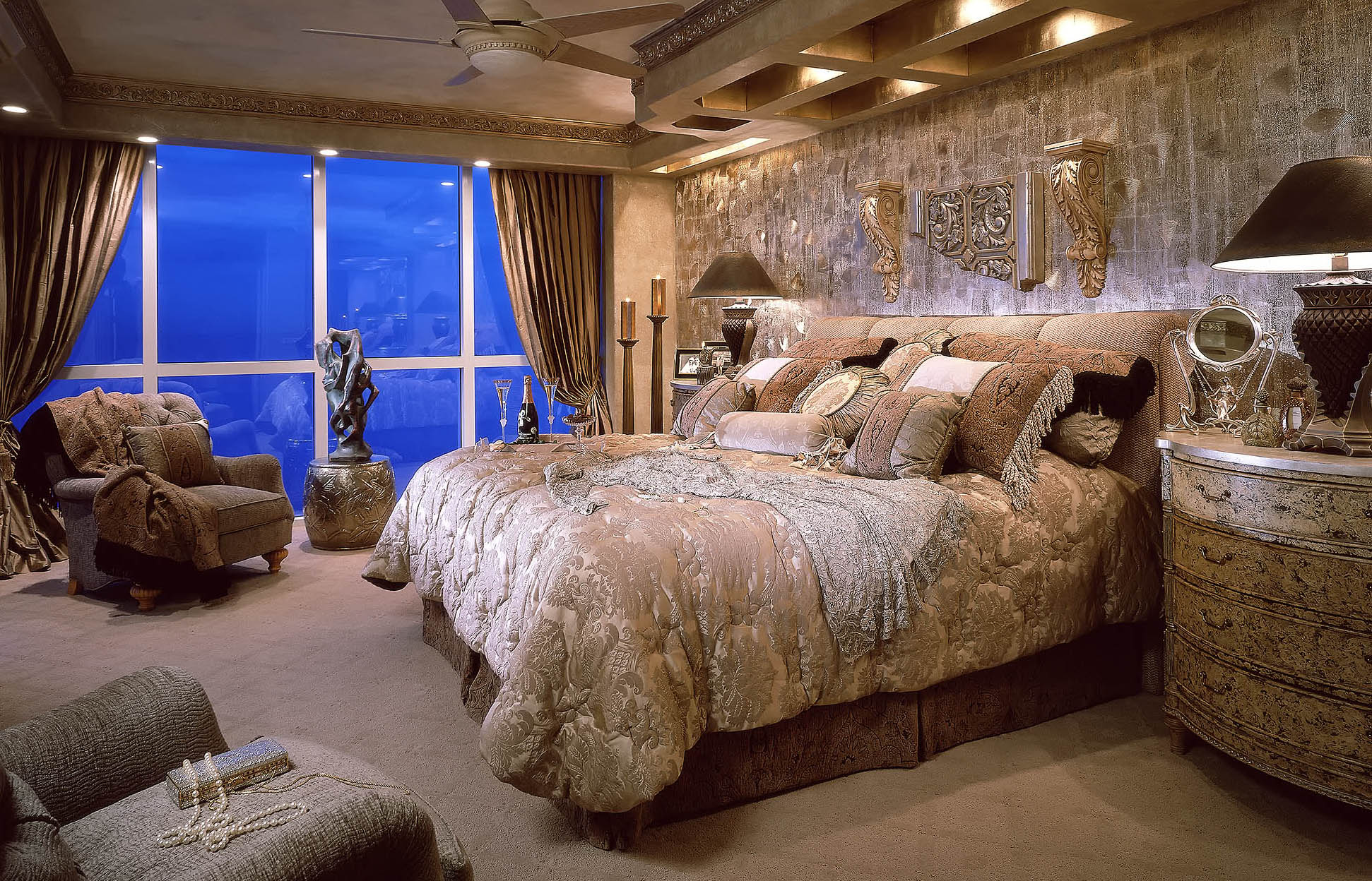 Luxury-Real-Estate-Photography-Bedroom-Glamour-Pearls-Champagne