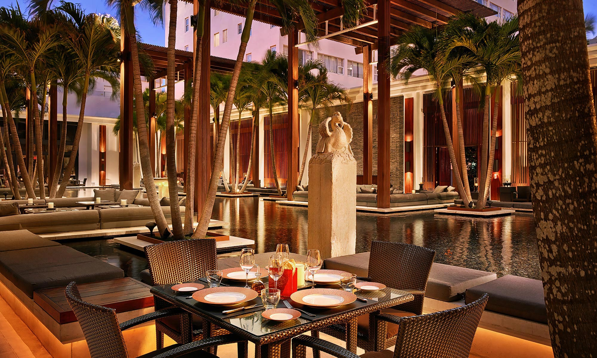 Luxury-Resort-Photography-Setai-Miami-Beach-Courtyard-Dining
