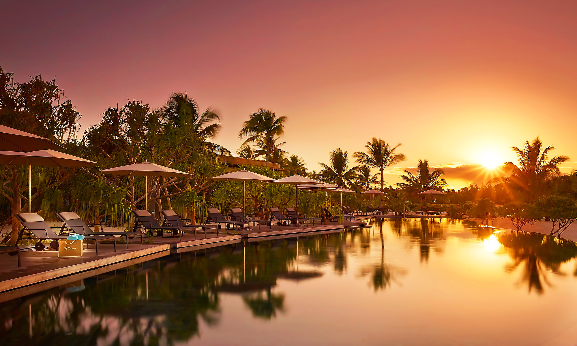 Luxury-Resort-Photography-Sunrise-Pool