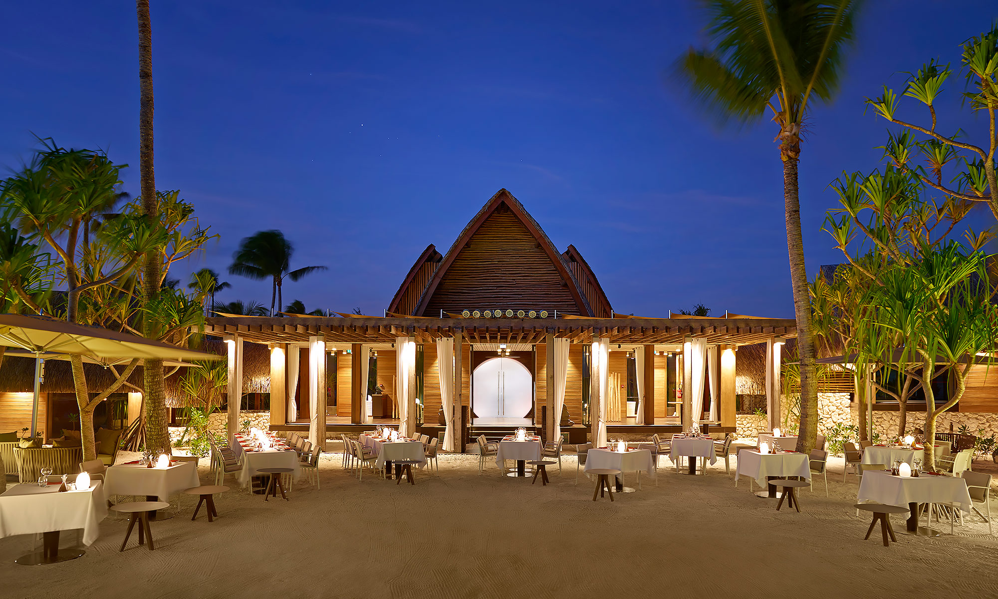 Luxury-Resort-Photography-Tahiti-Brando-Resort-Dining-Night