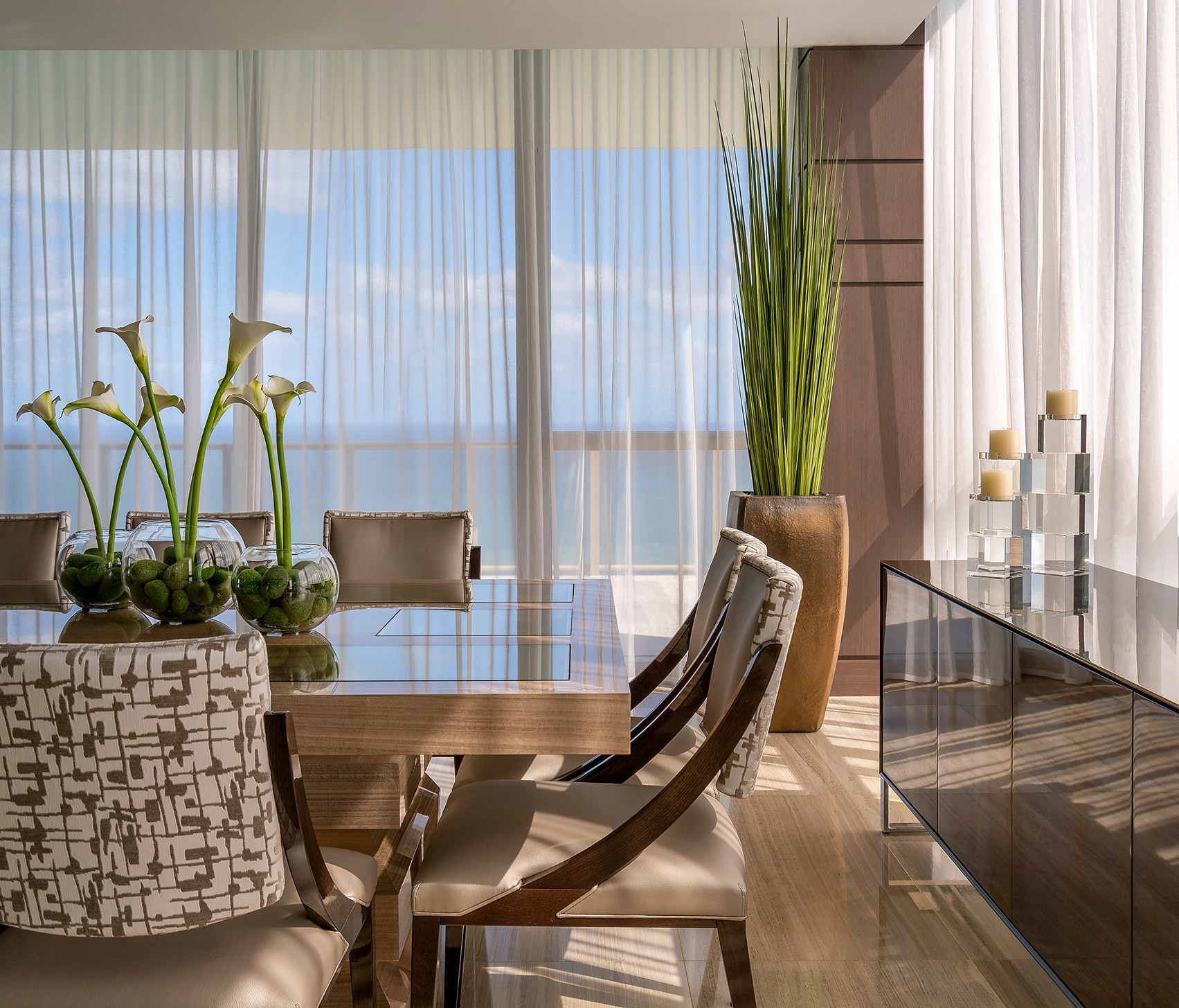 Miami-Beach-Dining-Room-Interior-Decor