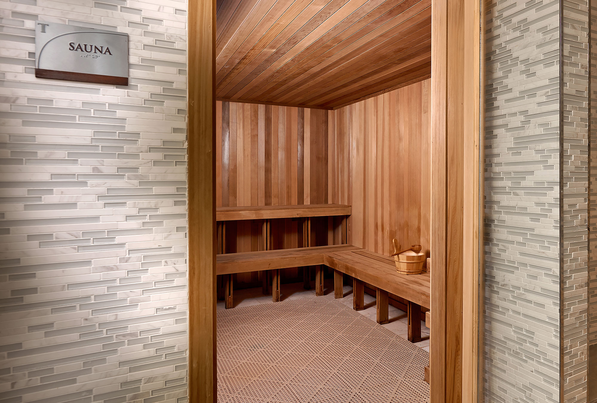 Sauna-Interior-Trump-Plaza-Miami-Beach